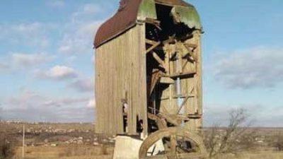 Под Запорожьем развалилась столетняя ветряная мельница