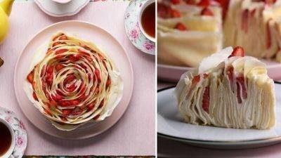 Надзвичайний торт з млинців з полуницею, немов ароматна троянда