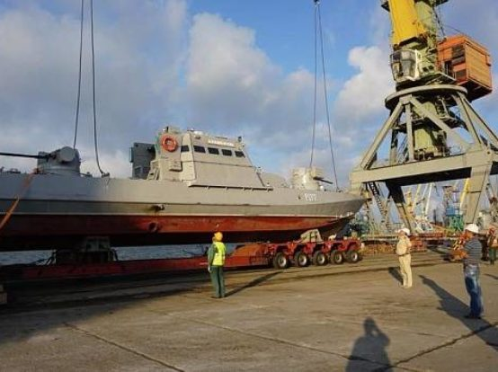 У Бердянську спущено на воду бронекатари ВМС