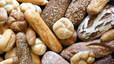 Бердянские евреи с хлебом мира