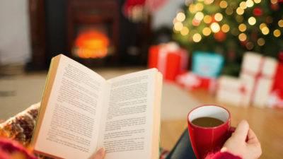 Книги, що зігрівають: що читати на Миколая та Різдво