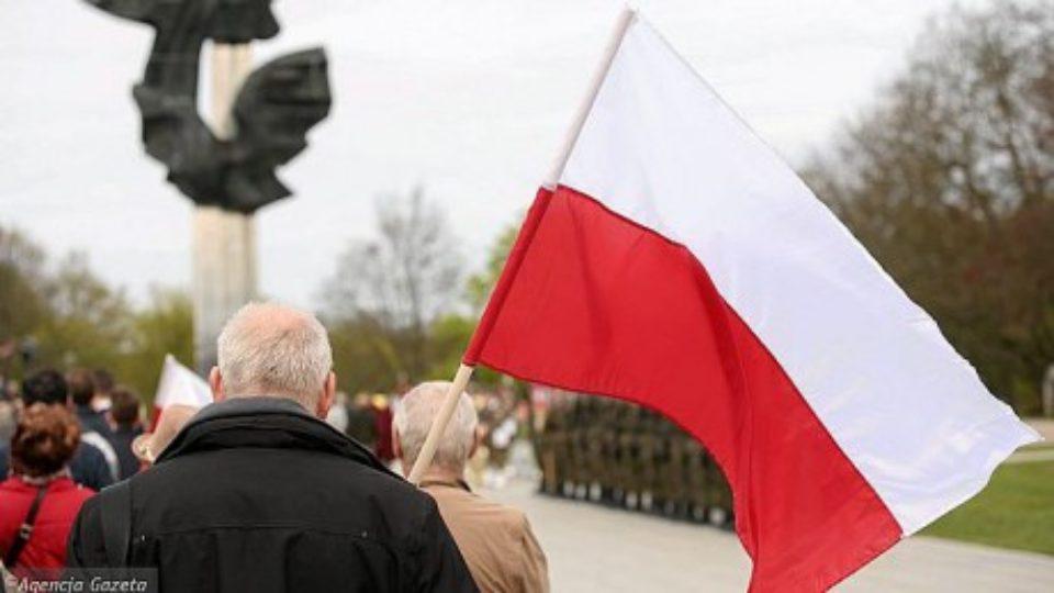 z24745135ihdzien-flagi-swieto-flagi-obchodzimy-2-maja.jpg